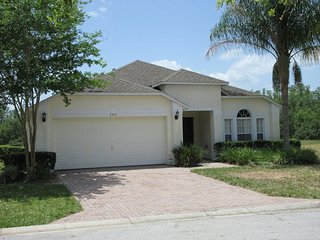 Great 4 bed pool / spa home close to Disney, Davenport