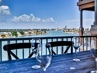 Harborview Grande 700 Large 3 bedroom Waterfront Condo