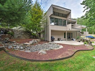 Modern Warwick Home w/Deck & Beautiful Garden View