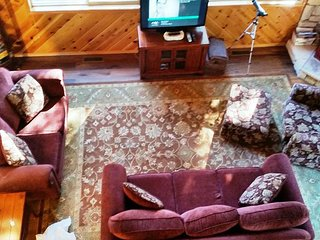 """Peaceful """"MTN GETAWAY"""" located in a quiet area of Blue Lake Springs, Arnold"""