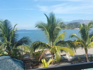 Brand New Modern Beachfront Vacation House, Subic