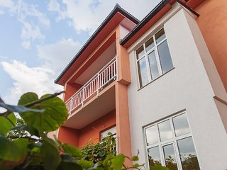 Guest House City Star triple room Pink, Mostar