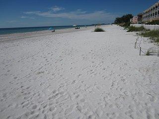 Bradenton Beach Club 226