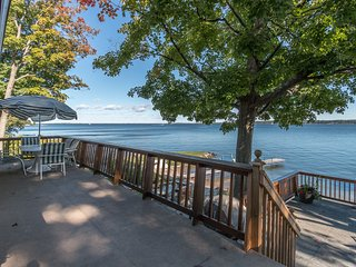 Waterfront cottage overlooking Georgian Bay., Midland