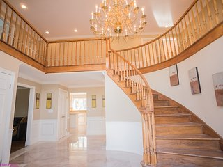 Luxury Executive Estate 1 Hr from New York City, Easton