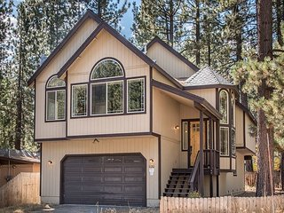 4BR, 2.5BA Modern & Central South Lake Tahoe Home in a Quiet Neighborhood