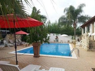 FEFY  Unit 1 - Casa in spiaggia con piscina