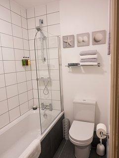 Bathroom with complimentary toiletries.
