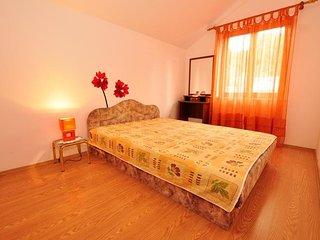 Apartments Marko i Fanica 2+2, Postira