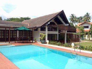 Labuan Tropical Beach Villa with Swimming Pool, Labuan Town