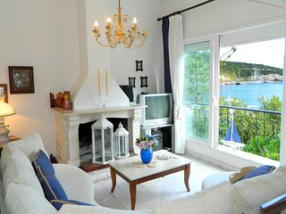 Bay Boutique Cottage with sea views, Gáïos