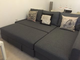 New Build 2 Bed Holiday Apartment with Parking, Leeds
