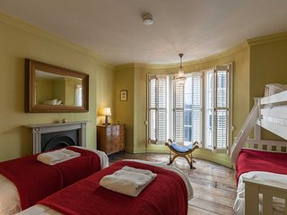 Georgian Retreat, Brighton Hen House - sleeps 18