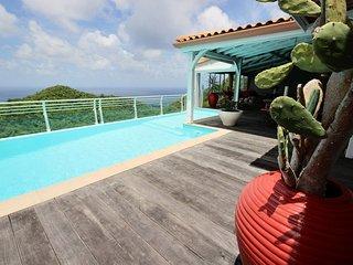 Superbe villa 4CH, piscine, vue mer,proche plage, Sainte-Luce