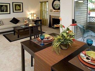 Elegant 2 Bedroom Apartment, Redmond