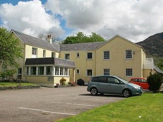 GROUND FLOOR SELF CATERING APARTMENT, Fort William