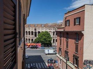 Aurora al Colosseo, Roma