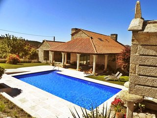 Luxurious villa with swimming pool in Pontevedra