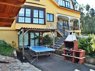 Lovely, cozy villa with swimming pool and barbacue near Coruña and Ferrol