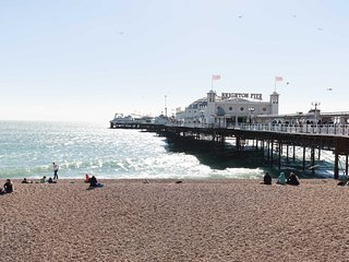 Georgian Retreat by Brighton Pier - sleeps 18