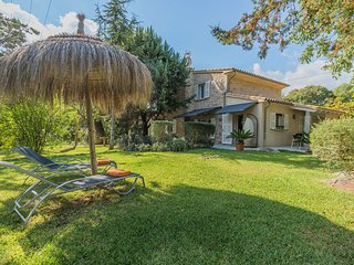 Villa with private gardens in Pollensa-Hort Petit