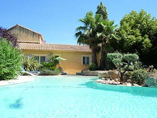 Roujan villa South of France with pool sleeps 6