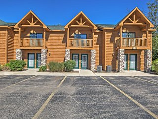 Utica Resort Townhome w/Waterpark Access & Balcony