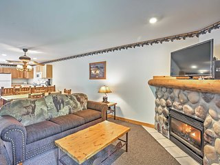 Cozy Utica Townhome w/Fireplace, Near St. Parks!