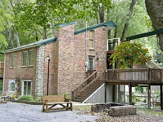 Kentucky River Cottages - 2nd Floor Suite, Lexington