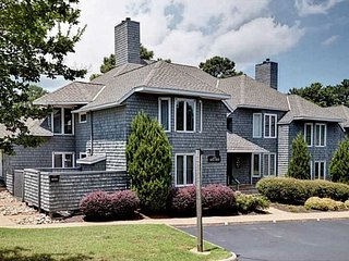 Stunning 2BR Kingsmill Condo in Williamsburg, VA