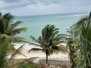 BEACHFRONT VILLA CENTRAL TO EVERYTHING 25 MIN. TO