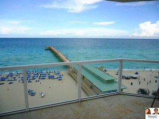 La Perla Amazing Unit Ocean Front - 1/ 1 8th floor, Sunny Isles Beach
