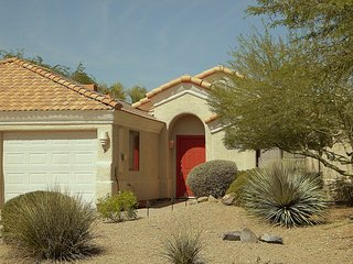 CHARMING 2 BDRM/2BA WITH MOUNTAIN VIEWS!, Fountain Hills