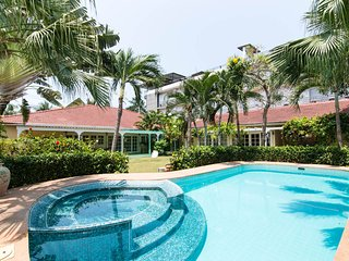 HuaHin Beach Side Rental Villa, Hua Hin