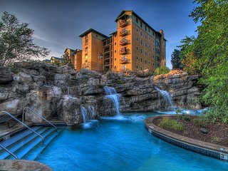 Riverstone Resort Luxury 1 bedroom 1 bath condo!!!, Pigeon Forge