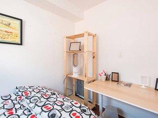 *BESIDE SHEPPARD SUBWAY* Simple 2nd Floor Room