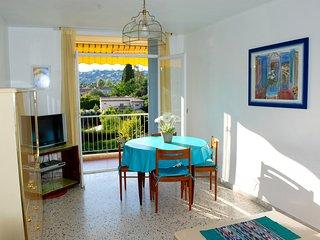 Pour un séjour paisible, proche mer, vue collines, Juan-les-Pins