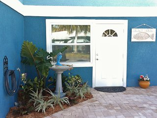 Geat North Island Location! Walk To Beach & Shops, Pet & Family friendly/ Pool