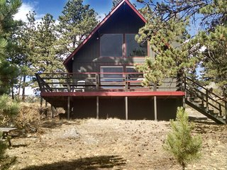 Elegant guest cabin on private 12 acre estate, Estes Park