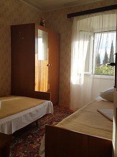 H(9): bedroom