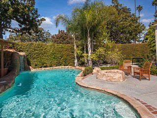 LOCATION! Beverly Hills House + Oasis Pool