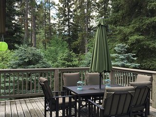 Cozy Canmore 4 bedroom home