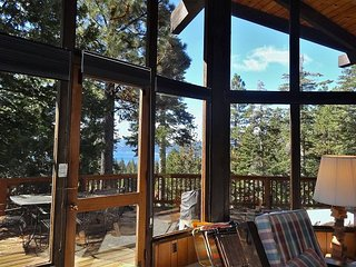 Beautiful Lakeviews With Spacious Living Room In Dollar Point 4bd/2ba, Tahoe City