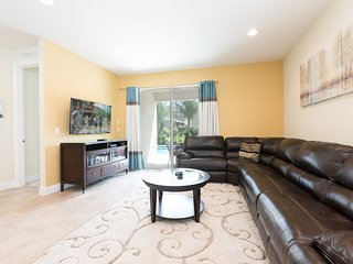 Living room with 55' TV