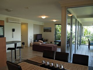Oasis 26 2 Bedroom Apartment - Hamilton Island