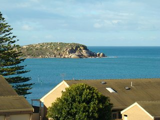 18/2 Solway Crescent - Panoramic sea views from this second floor apartment, Encounter Bay