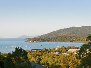 Laguna Views - Low Season Special - Airlie Beach