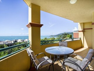 Airlie Beach Apartment - Ocean Views & FREE WIFI - Airlie Beach