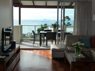 Oscar's View - WIFI & Welcome Gift - Airlie Beach Central