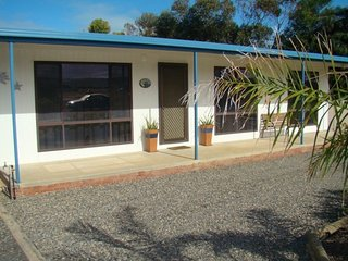 23 Ellensford Terrace - close to the beach and main street, Middleton